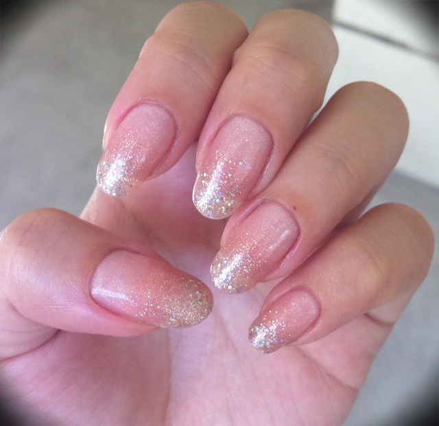Simple Gelish gradation – nailartexpress.com