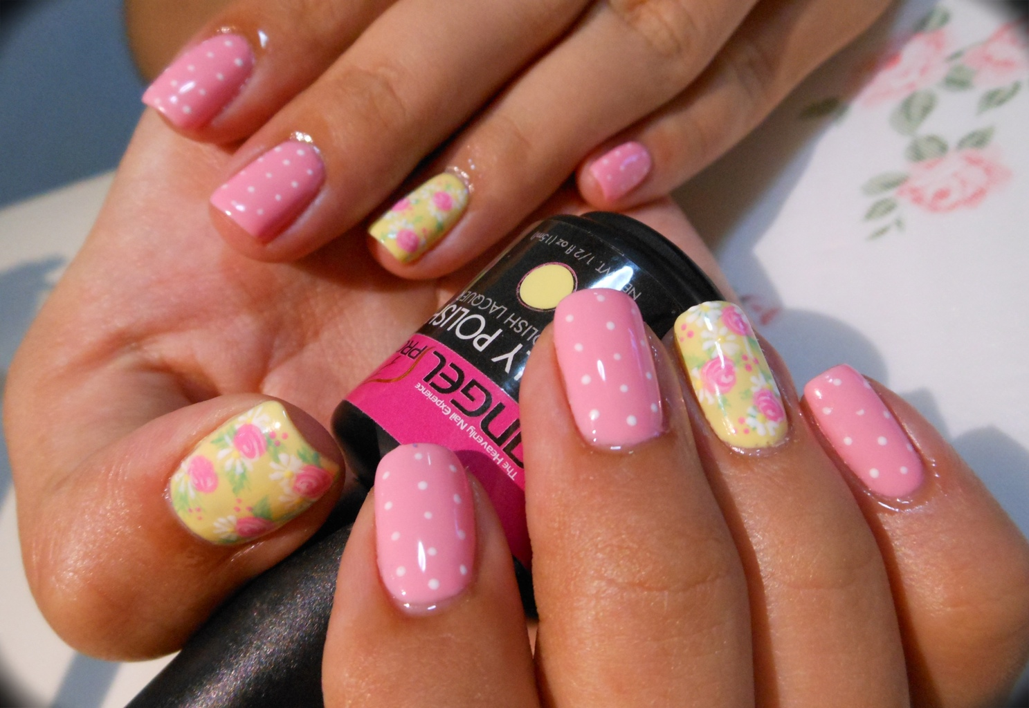 These pointy pink nail designs combine glitters on a few of the nails and white lace pattern on the remaining nails The sparkles are added in asymmetrical design which further makes them interesting